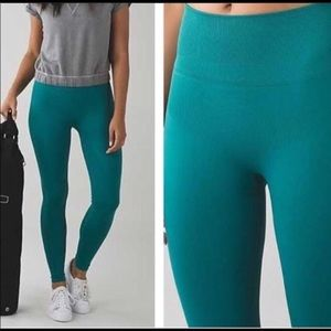 Lululemon Teal Zone In Tight - size 6